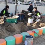 砂場の清掃メンテナンス